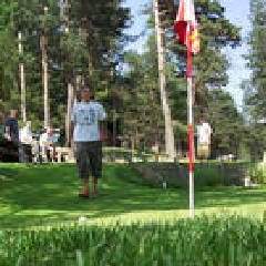 2020-05-24-ours-putting-golf.jpg